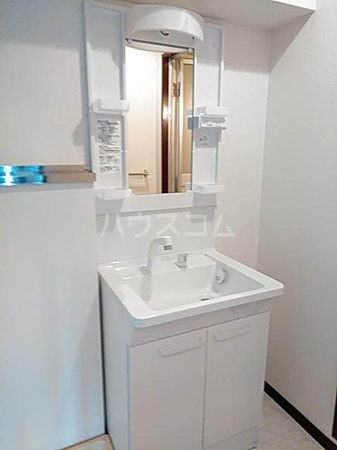 メ・ジャーモ広町 401号室の洗面所