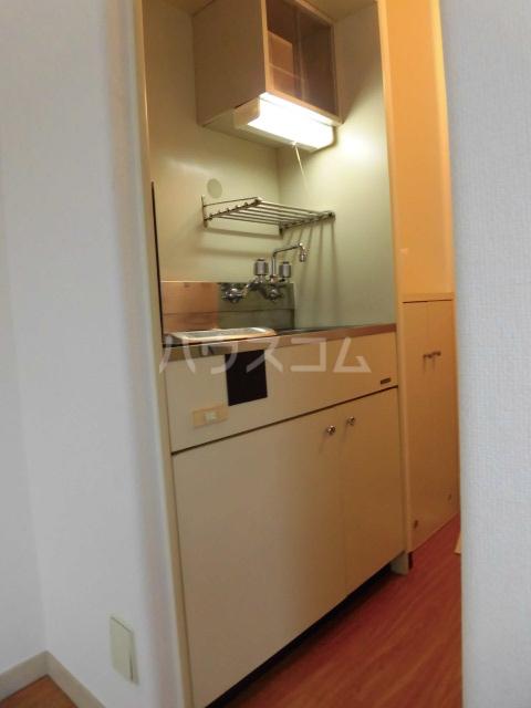 ラ・カーサ 101号室のキッチン