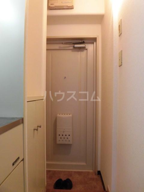 ラ・カーサ 101号室の玄関