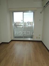 スカイコート川崎第2 804号室のリビング