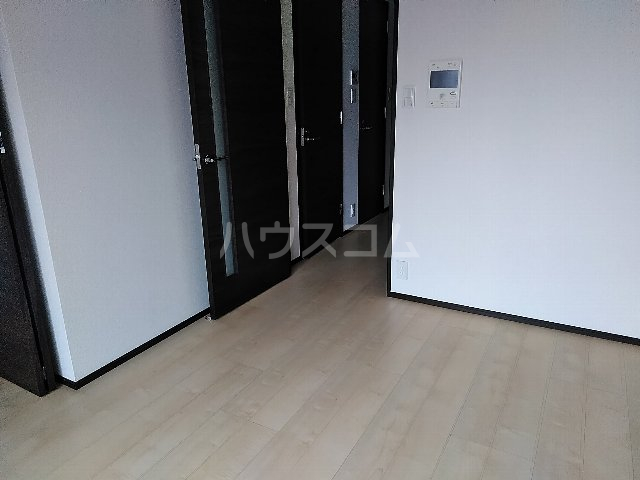ジェノヴィア川崎駅グリーンヴェール 1103号室の居室