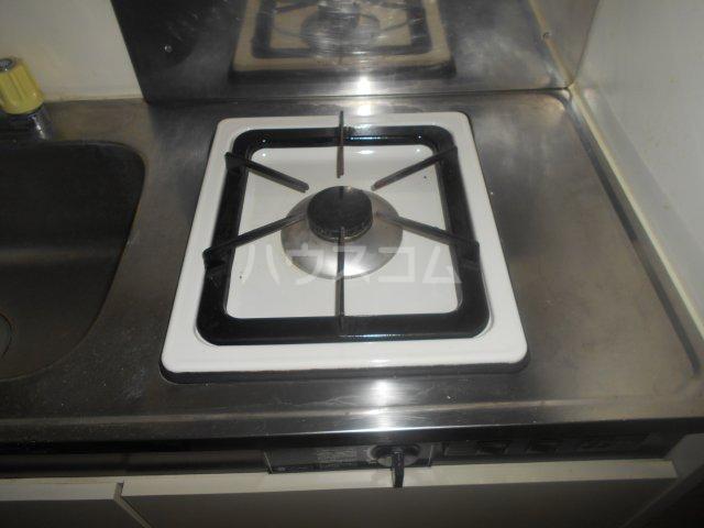 メゾンボヌール菊名 D-101号室のキッチン