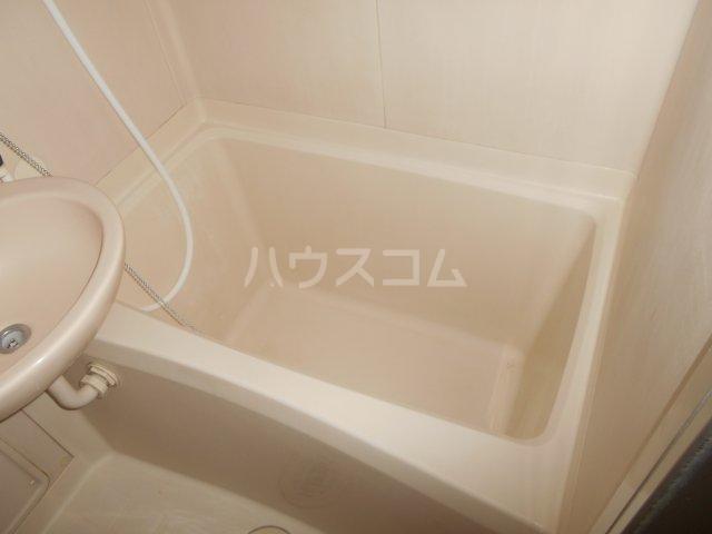 メゾンボヌール菊名 D-101号室の風呂