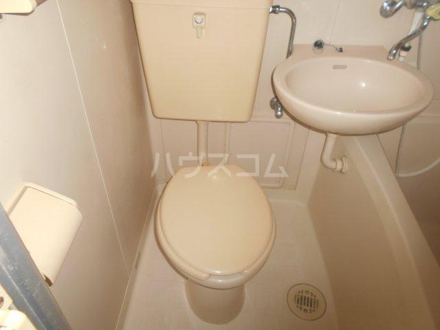 メゾンボヌール菊名 D-101号室のトイレ