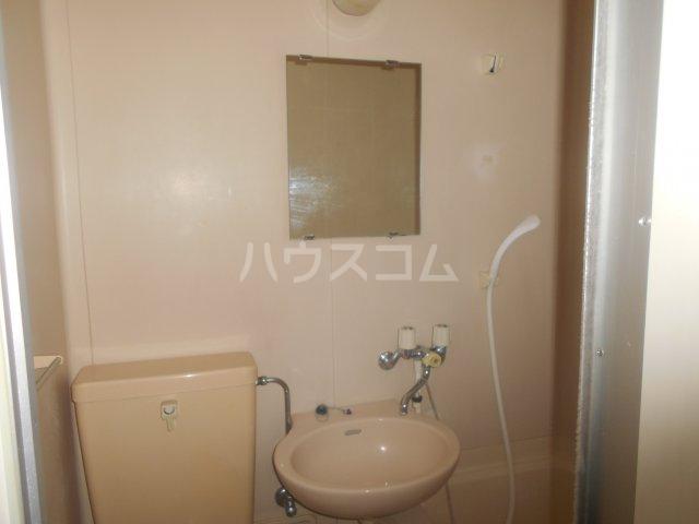 メゾンボヌール菊名 D-101号室の洗面所