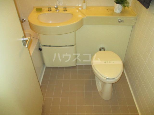 LANAI COURT1596 401号室のトイレ
