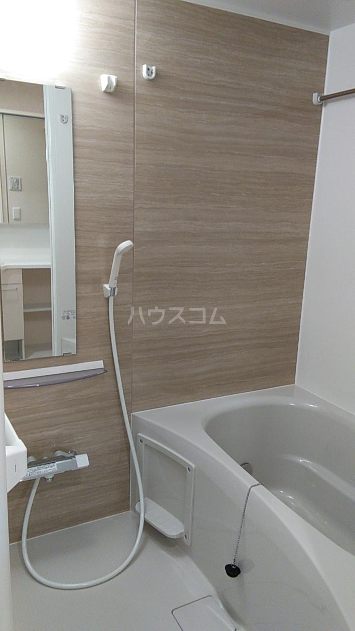 たか表参道 103号室の風呂