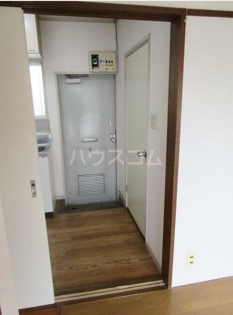 S宅 201号室の玄関