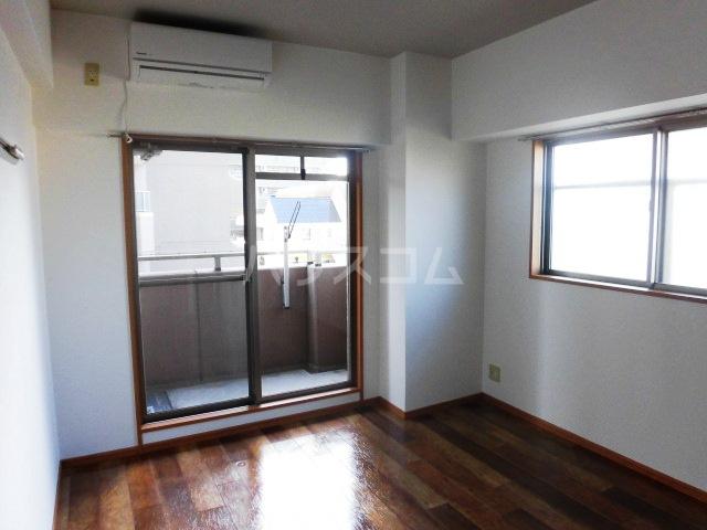 ディアコートA 402号室のキッチン