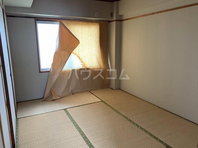 中駒コーポ富田 602号室の居室
