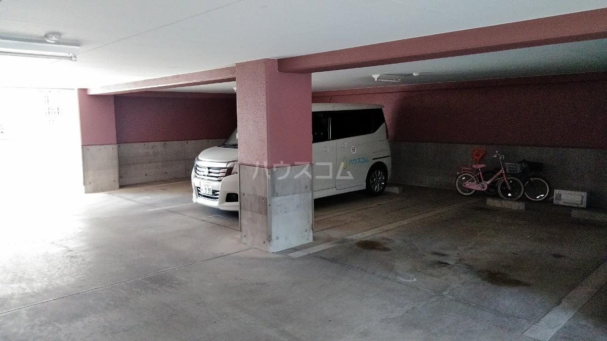 第2奥村マンション 2A号室の駐車場