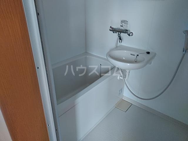 ブランシュコリーヌ 2号室の風呂
