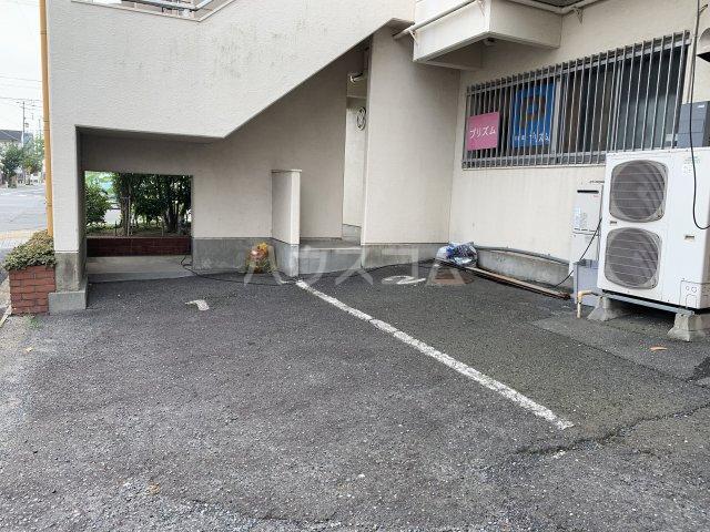 サンライトM.Ⅰ 4D号室の駐車場