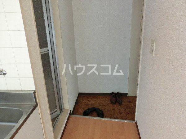 シャンブール自由が丘 301号室の玄関