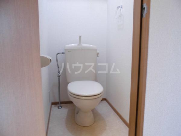 ヘーベルエスパスⅤ B 301号室のトイレ
