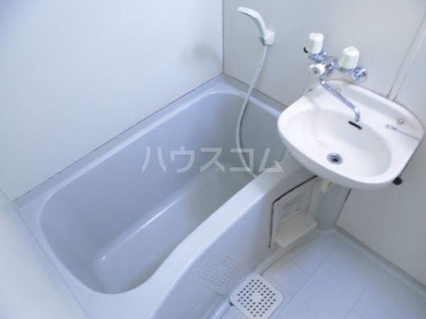 ヘーベルエスパスⅤ B 301号室の風呂
