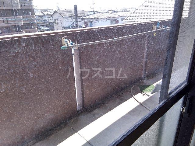 AMOUR MIWA 302号室のバルコニー