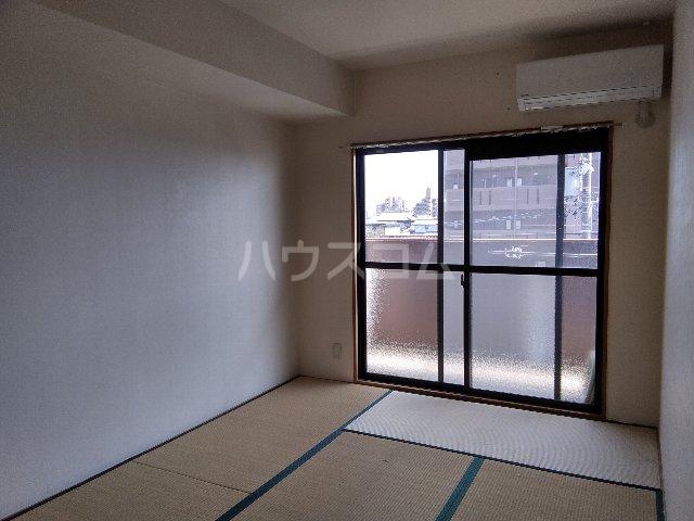 AMOUR MIWA 302号室のベッドルーム