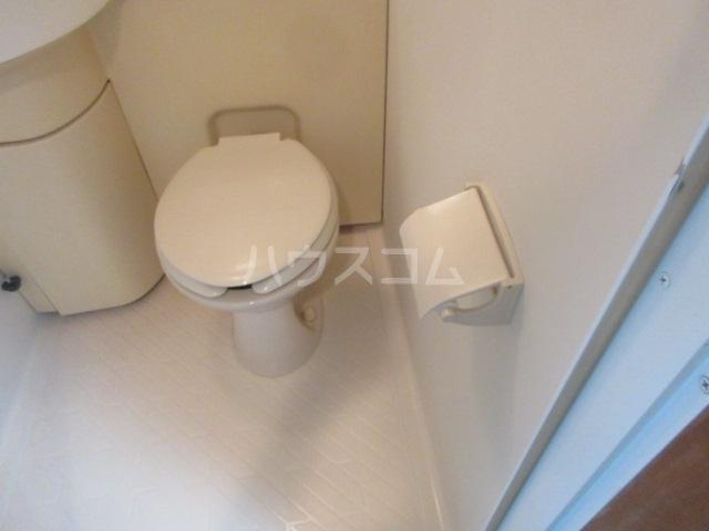 ラフィネ新栄 5011号室のトイレ