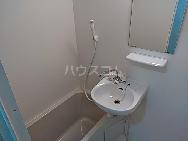 マーレ大森町 301号室の風呂