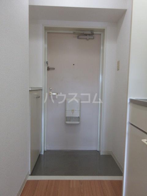 レスパス千種 405号室の玄関