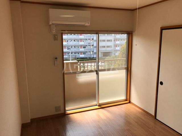シティーマンション西伏屋 00302号室のバルコニー