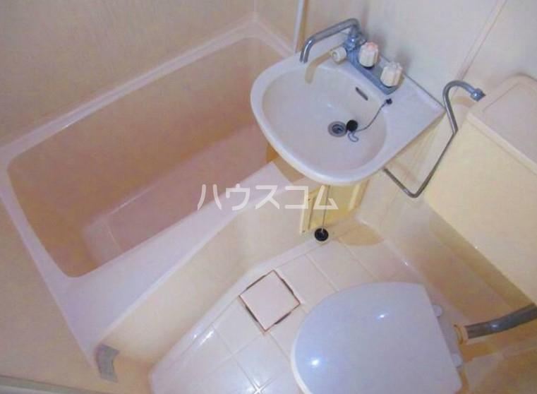 ハイテラス石川台 B205号室の風呂