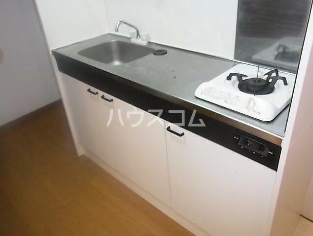 リヴェール石川台 103号室のキッチン