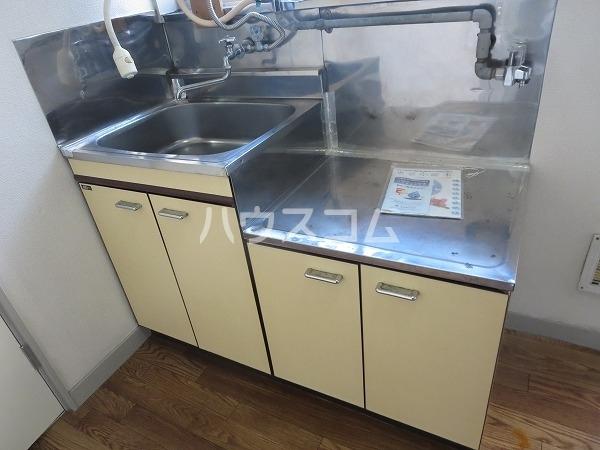 ハイツカワベ 202号室のキッチン