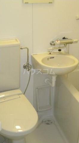 ウエストインパート1 106号室のトイレ
