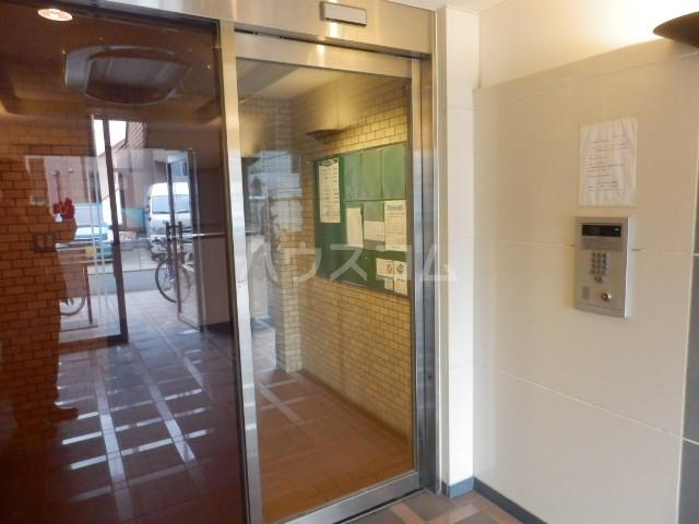 ハイタウン学芸大学 112号室のエントランス