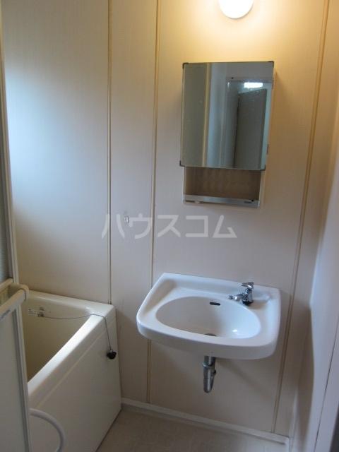中駒コーポ富田 202号室の収納