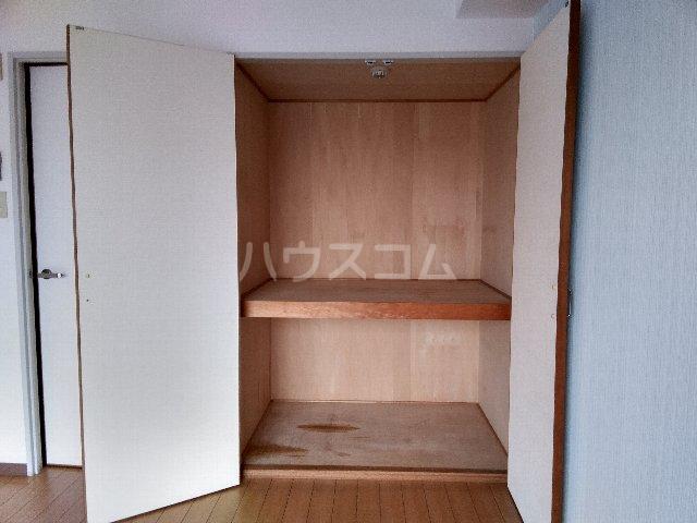 カルム亀島 609号室の収納