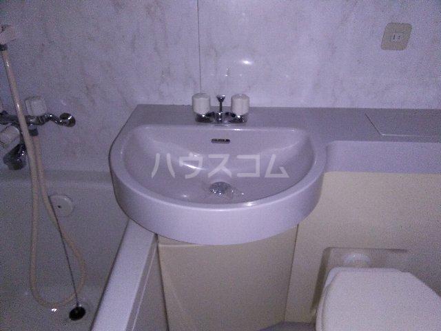 カルム亀島 609号室の洗面所