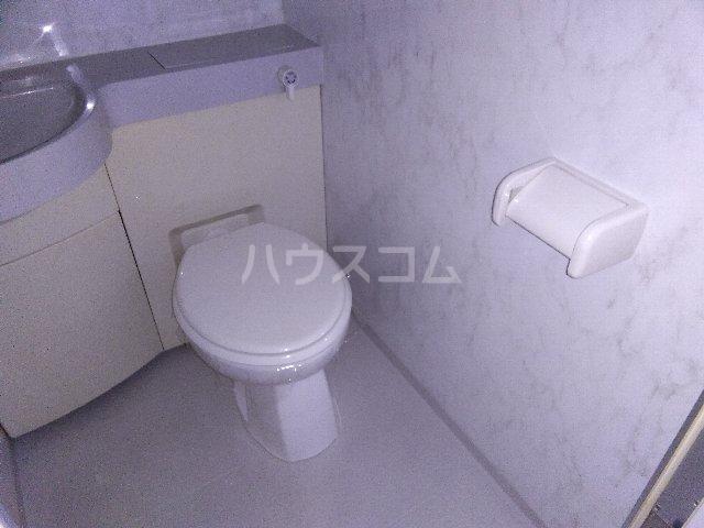 カルム亀島 609号室のトイレ