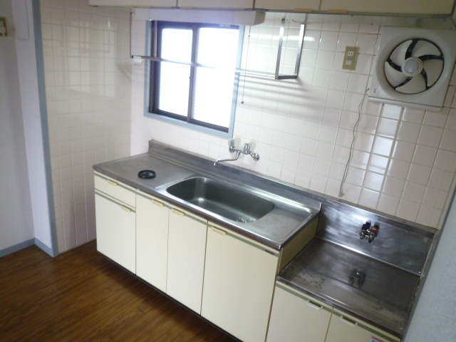 さくら館塩池 305号室のキッチン
