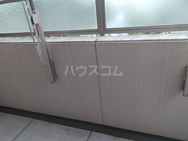 フロンティアU 206号室のバルコニー