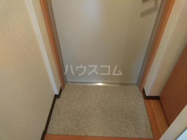 フロンティアU 206号室の玄関