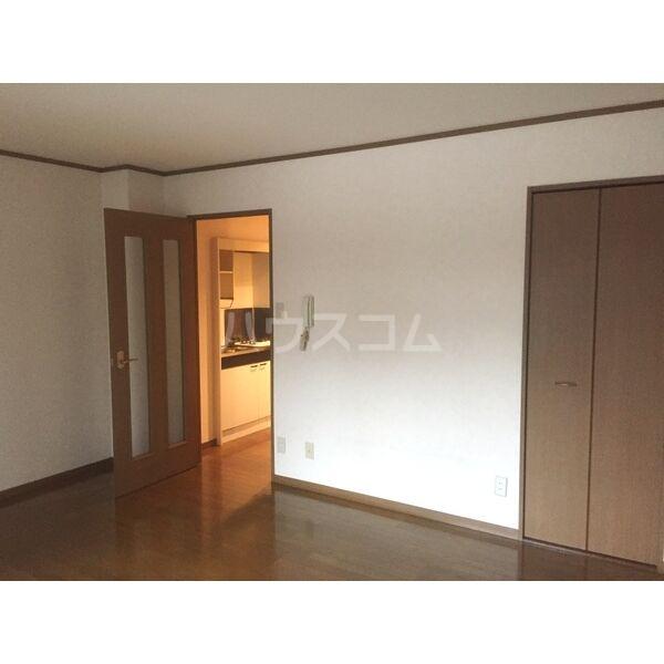 第一中央ビルディング 305号室のベッドルーム