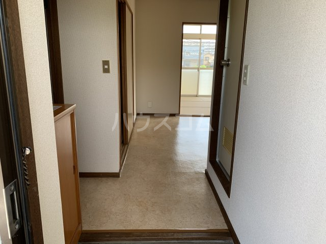 エルディム松下 202号室の玄関