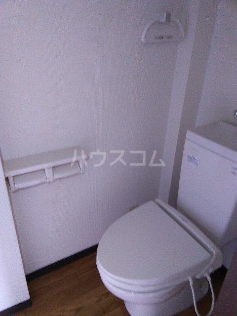 サンスカイ 303号室のトイレ