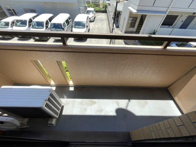 ドエル加藤 202号室の玄関
