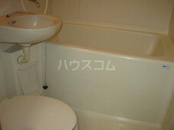 第二ローレルハイツ大岡山 201号室のトイレ