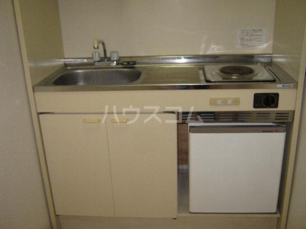 第二ローレルハイツ大岡山 201号室のキッチン