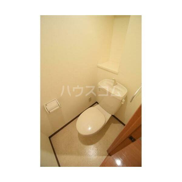 ウイステリア 202号室のトイレ