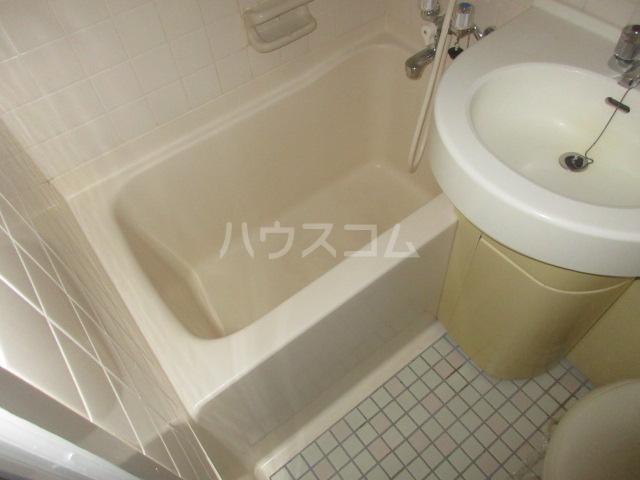 OJビル 6D号室の風呂