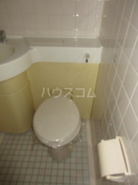 OJビル 6D号室のトイレ