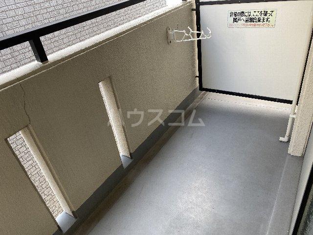 ドルフ亀島Ⅳ 208号室のバルコニー