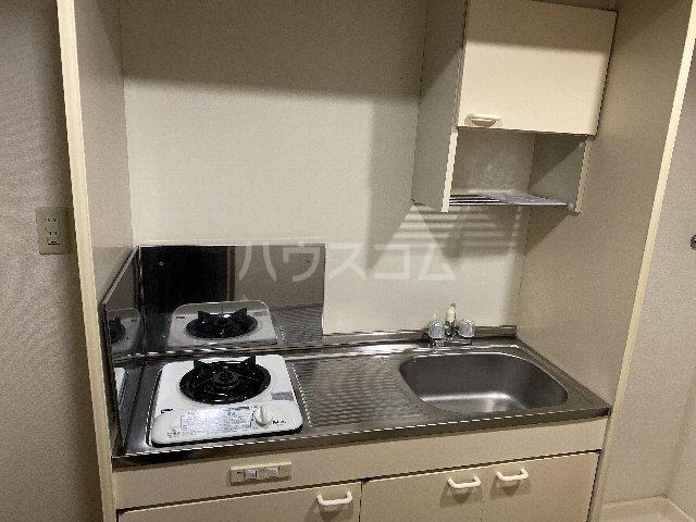 ドルフ亀島Ⅳ 208号室のキッチン