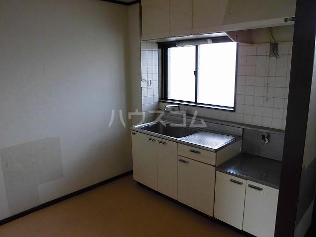 アメニティ瀬川 302号室のキッチン